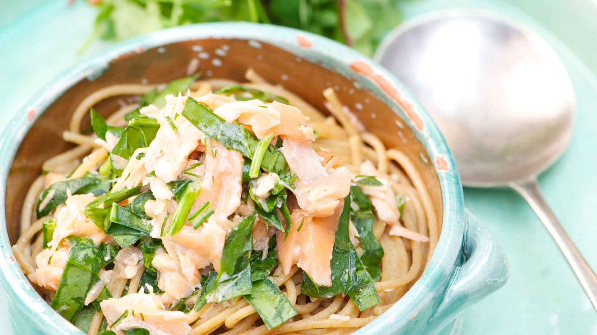This recipe combines pasta, fish, spinach and sauce